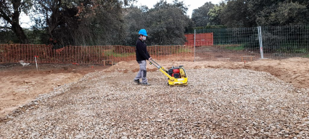 eco friendly building threads diggers and crushed stones